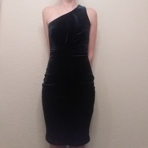 Lulu's Candlelit Date Velvet One-Shoulder Bodycon